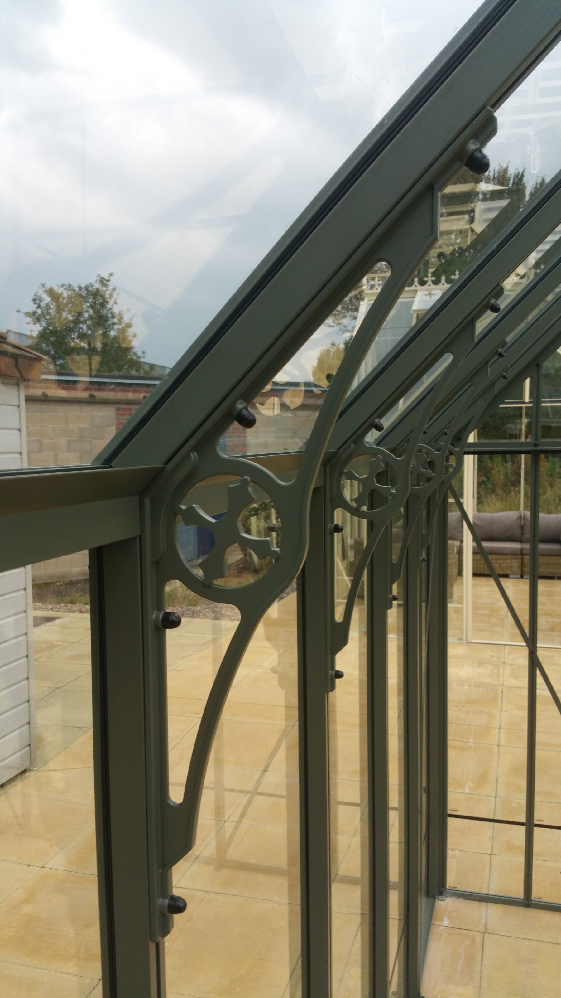 Robinsons cast aluminium, Victorian-style spandrels, for additional strength